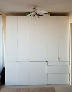 Moving Sale!!Kitchen Cabinets