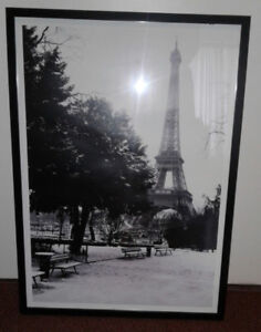 IKEA Eiffel Tower black and white framed/glass front print