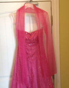 Assorted Gowns Sz Sm-Med