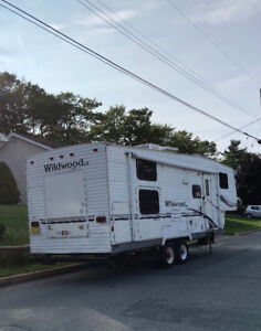 FOR SALE - 2005 Wildwood LE 5th Wheel Trailer