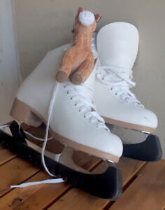 Lovely white Figure Skates, trip-free, Size 8.5-9.5