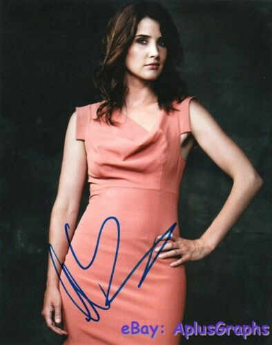 COBIE SMULDERS.. How I Met Your Mother - SIGNED