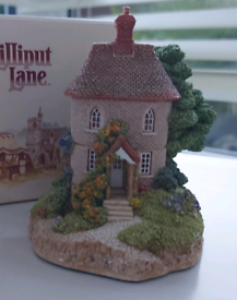 Lilliput collectable cottage