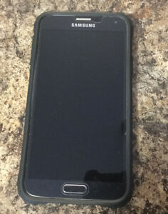 Two Samsung Galaxie S5 Neo's