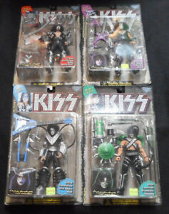 Set of KISS Figures with solo album