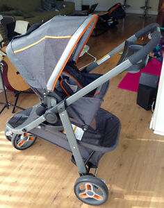 2015 Graco Sport Travel System Stroller and car seat