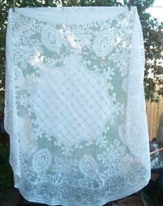Vintage White Round Lace Tablecloth