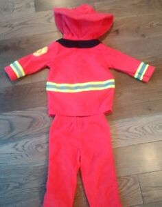 ADORABLE FLEECE FIREMAN OUTFIT / COSTUME - New Condition, 6-9M Cambridge Kitchener Area image 2
