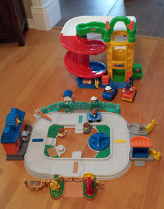 Fisher Price Little People toy set / ensemble de jouets