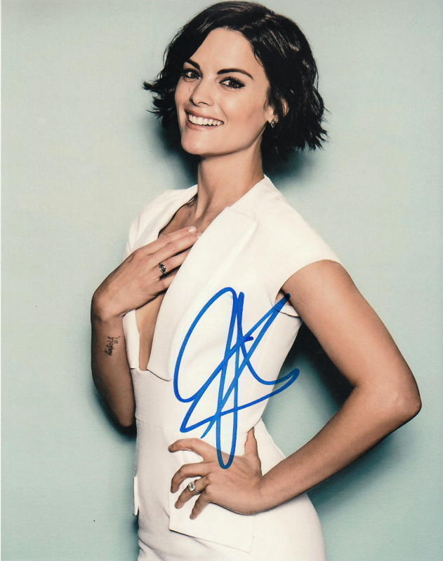 JAIMIE ALEXANDER.. Breathtaking Beauty (Blindspot) SIGNED