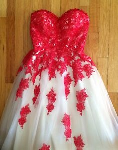 Red / Nude prom dress