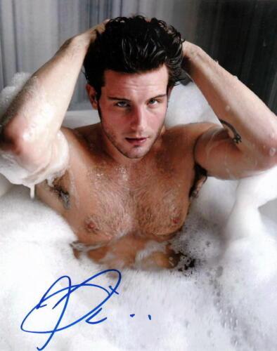 NICO TORTORELLA.. Hot Tub Hunk (Younger) SIGNED