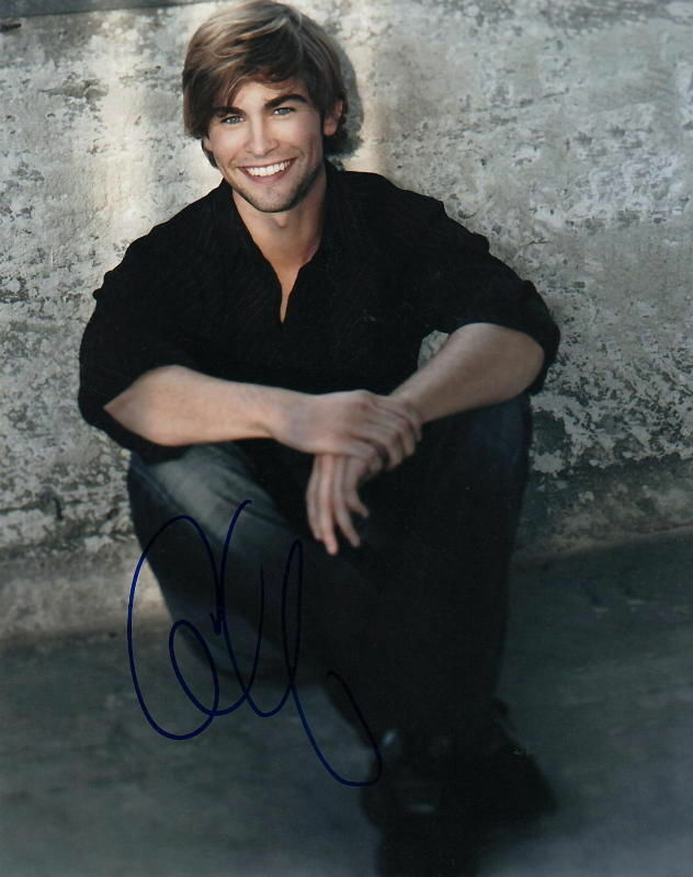 CHACE CRAWFORD.. Gossip Girl Hunk - SIGNED