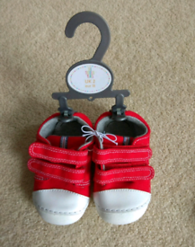NEW Mothercare baby shoes UK size 2/ EUR 18