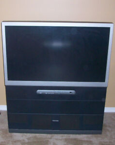 Toshiba 42 Inch Rear Projection TV c/w Remote