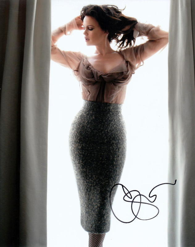 CARLA GUGINO.. Sultry Stunner - SIGNED
