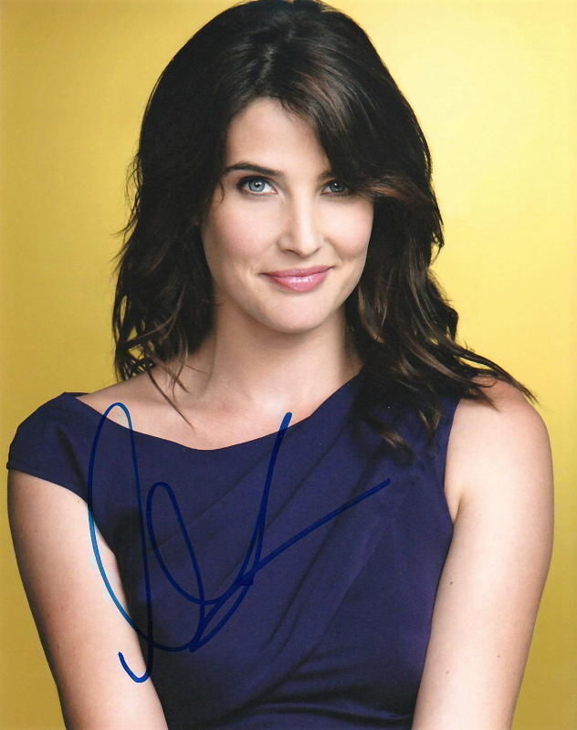 COBIE SMULDERS.. How I Met Your Mother's Robin Scherbatsky - SIGNED