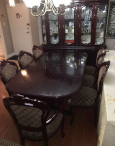 ANTIQUE DINING TABLE & CHINA CABINET