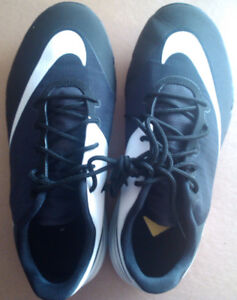 """Women`s Golf Shoes """"Nike F1""""  size 6us spikeless"""