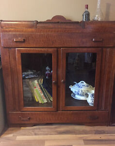 Antique solid  wood hutch,bar in good cond
