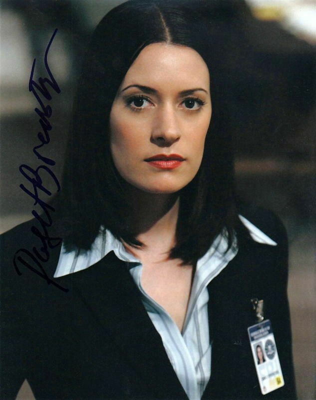 PAGET BREWSTER.. Criminal Minds - SIGNED