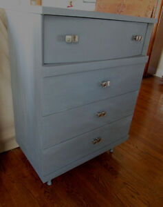 Elegant Small Grey Vintage wood dresser with 4 drawers- exc cond