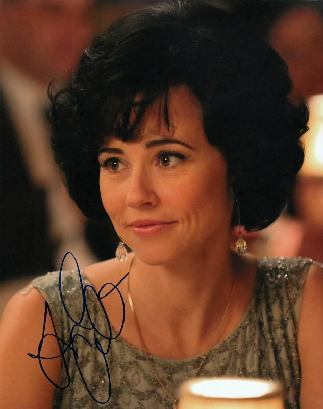 LINDA CARDELLINI.. Mad Men Minx: Sylvia - SIGNED