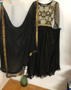 NEW GOLD AND BLACK PAKISTANI/INDIAN DRESS WITH SCARF