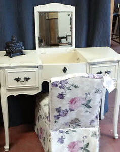 French Provincial Vanity and coordinating Slipper Chair