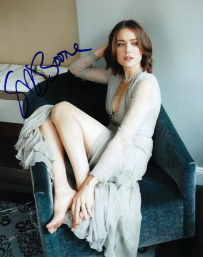 MEGAN BOONE.. Barefoot Beauty (The Blacklist) SIGNED