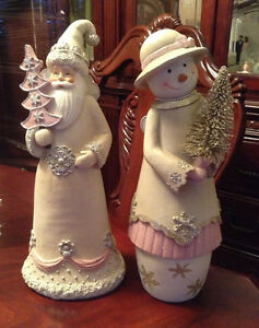BNWT 2pc Santa Claus & Mrs Snow Woman