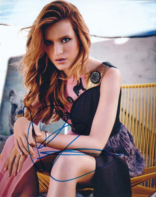 BELLA THORNE.. Alluring Actress - SIGNED