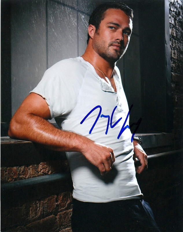 TAYLOR KINNEY.. Sexy Stud (Chicago Fire) SIGNED