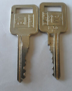 5 - Nice hard to find vintage GM Keys Edmonton Edmonton Area image 6