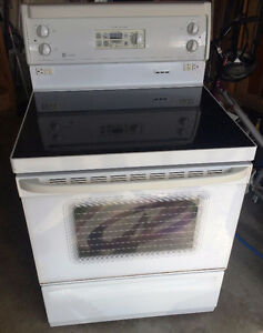 GE White Glass Stove and Range Hood Fan