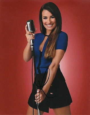 Lea Michele   Glees Singing Sensation  Rachel Berry   Signed