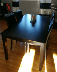 Kitchen Table w/ Chairs