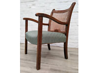 Vintage Armchair (DELIVERY AVAILABLE)