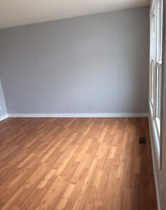 Updated 2 bedroom townhouse ~ April 01 ~ $925.00 Sarnia Sarnia Area image 5