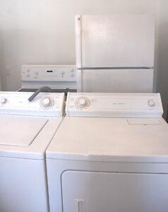 Réfrigérateur, cuisinière vitro, laveuse et sécheuse tous 700$