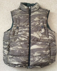 Youth Boys GAP camo reversable vest