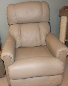 Leather Lazyboy Recliner Chair