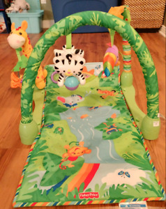 Gym/Tapis pour bébés Fisher Price baby gym