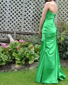 Prom dress- emerald green, mermaid style for sale! NEGOTIABLE