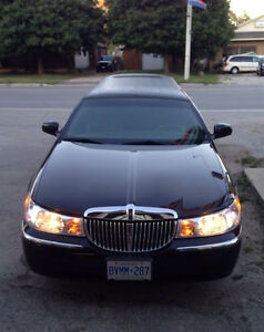 2001 Lincoln Town Car silver Other London Ontario image 5