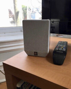 Yamaha HTR-5920 AV Receiver and Five Surround Sound Speakers