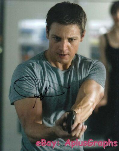 JEREMY RENNER.. The Bourne Legacy - SIGNED