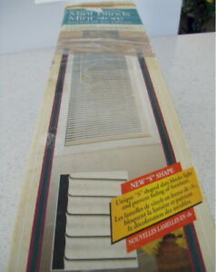 4 Packs of Mini Blinds (Window Covering)