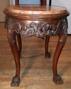 Table en Bois sculpté à la main et Marbre sur le dessus, ANTIQUE