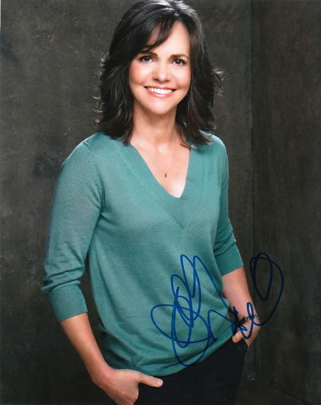 SALLY FIELD.. Brothers & Sisters - SIGNED
